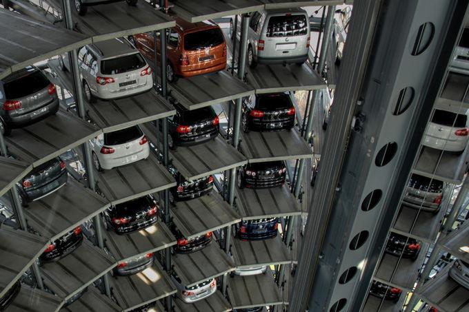 Wikipedia.org nuotr./Automobilių stovėjimo bokatas