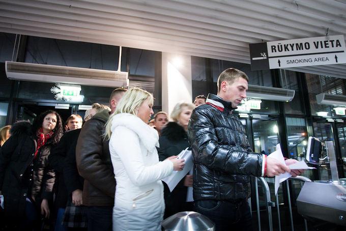 Algirdo Venskaus nuotr./Žiūrovai renkasi į grupės SEL koncertą.