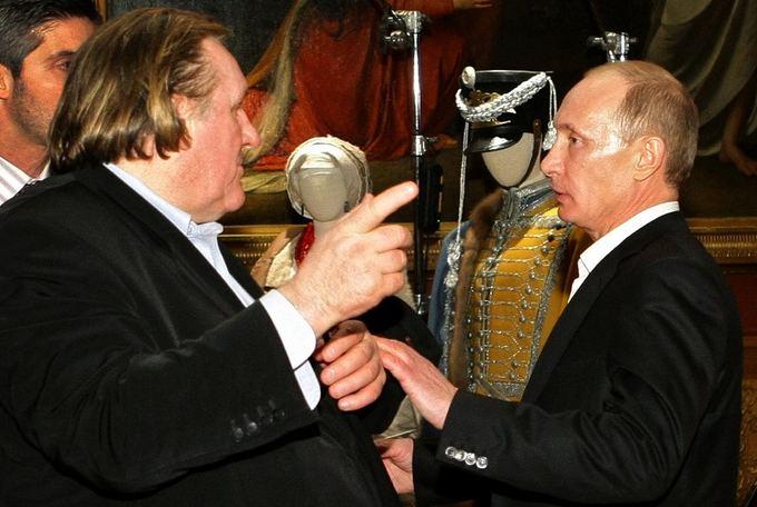 AFP/Scanpix nuotr./Gerard'as Depardieu ir Vladimiras Putinas