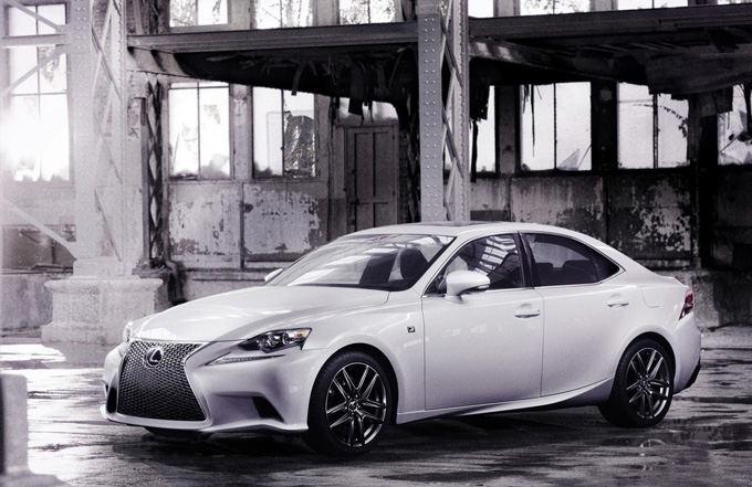 Gamintojo nuotr./Lexus IS