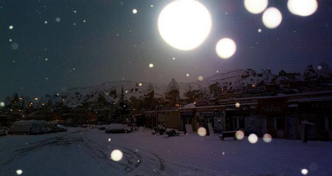 Be Sienų nuotr./Kapadokija sniege