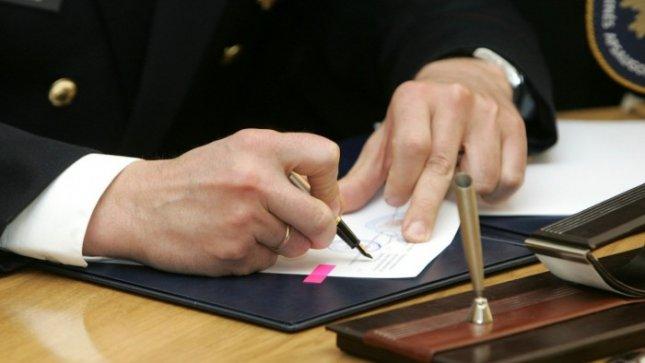 Stabdomas sutarties dujotiekiui tiesti pasirašymas