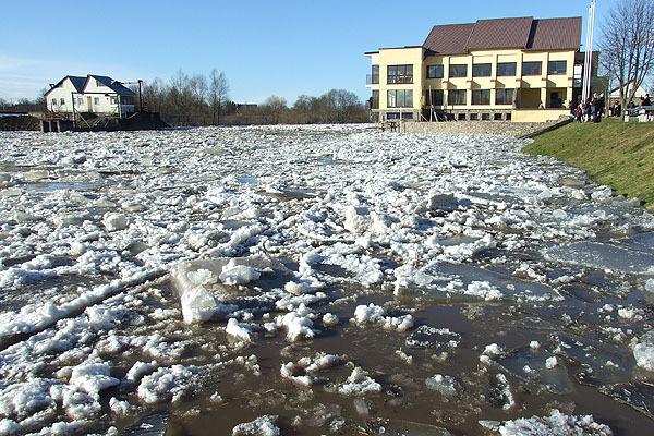 Ledonešis Jūros upėje