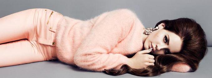 H&M nuotr./Dainininkė ir pop ikona Lana Del Rey  H&M reklaminės kampanijos veidas.