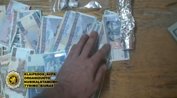 Iš prekybos narkotikais gauti pinigai