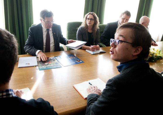 BFL/ Vyginto Skaraičio nuotr./Trečiadienį Ministras Pirmininkas Algirdas Butkevičius susitiko su Lietuvos studentų sąjungos (LSS) atstovais