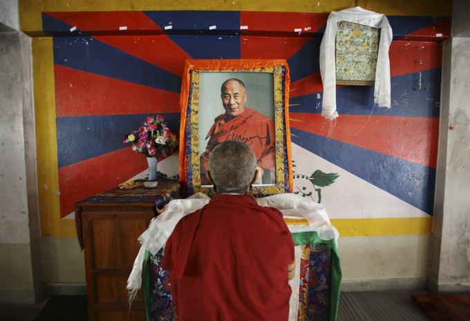 Tibete Dalai Lamos atvaizdai draudžiami