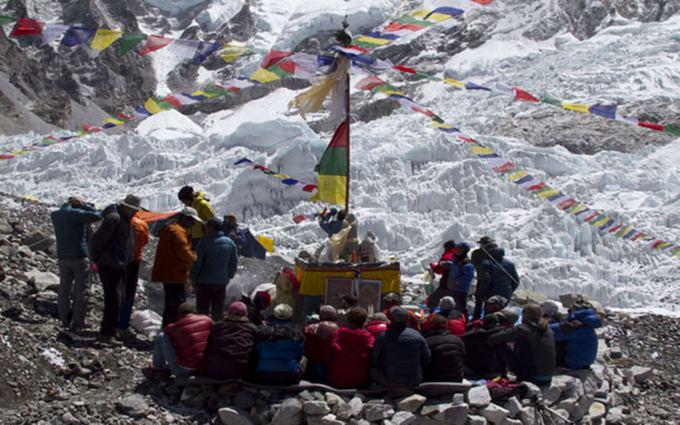 Everestas  kiekvieno alpinisto žydroji svajonė