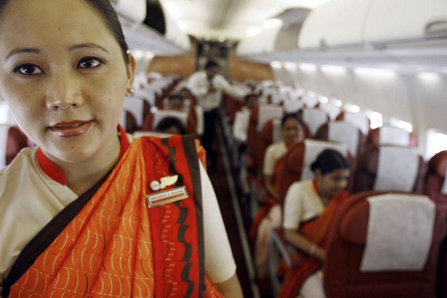 Indijos aviabendrovės stiuardesėms sulaukus 40 metų bus įvertintas kūno masės indeksas.