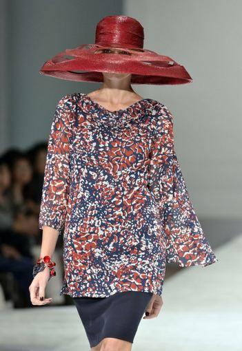 Scanpix nuotr. / Jun Ashida kolekcijos modelis (Tokijo mados savaitė).