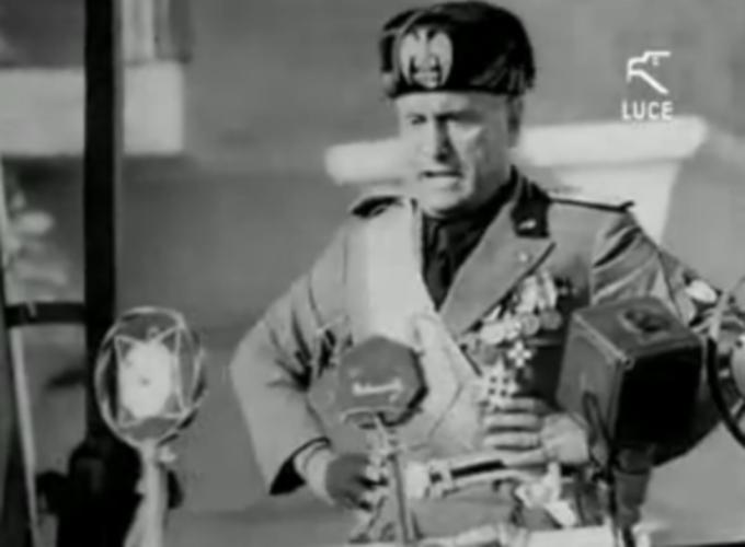 Benito Mussolini (1934 m.)
