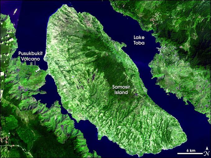 Šiaurinėje Sumatros saloje esantis Tobos ugnikalnis ir aplink ją telkšantis ežeras
