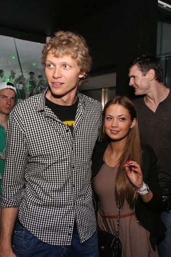 Mindaugas Kuzminskas su drauge Egle