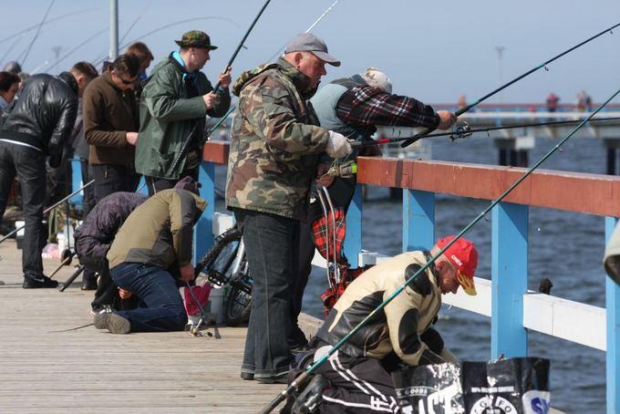 Aurelijos Kripaitės/15min.lt nuotr./Palangoje žvejai traukia grundalus