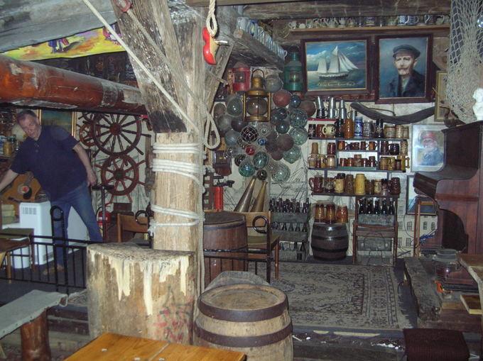 R.Valatkos nuotr./Jūrų klubas Zejman, įsikūręs buvusiame Gdansko daržovių sandėly, turi apie 3000 eksponatų
