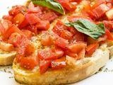 Shutterstock nuotr. / Brusketa su pomidorais ir bazilikais