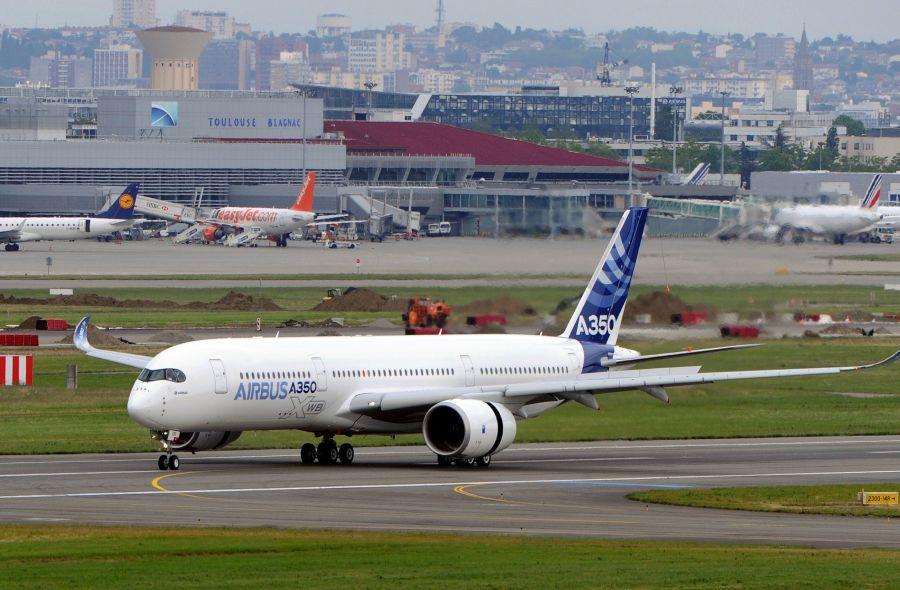 "Lėktuvas ""Airbus A350"""