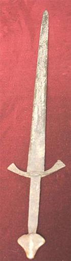 XIII a. kalavijas, rastas Raudonėje