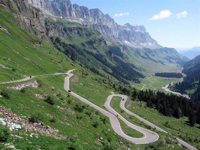 Vingiuotas Alpių kelias