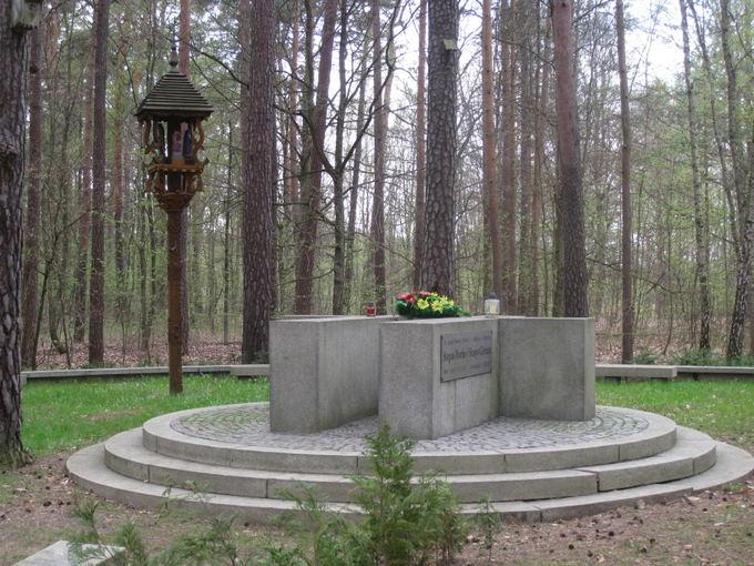Sandros Andriūnaitės nuotr./Didvyrių žūties vietą žymintis paminklas