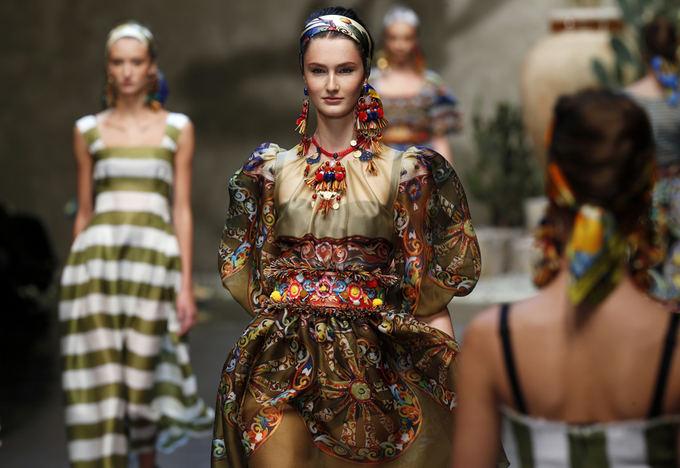 Scanpix nuotr. / Dolce & Gabbana 2013 m. pavasario/vasaros kolekcija.
