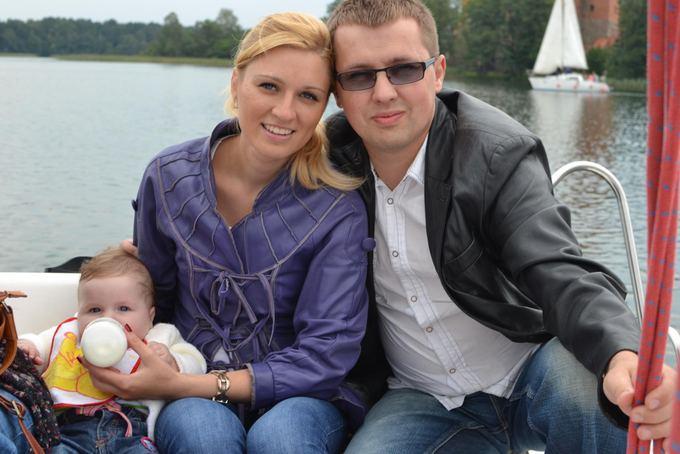 Asmeninio albumo nuotr./Tomas su žmona Laima ir dukra Gabriele
