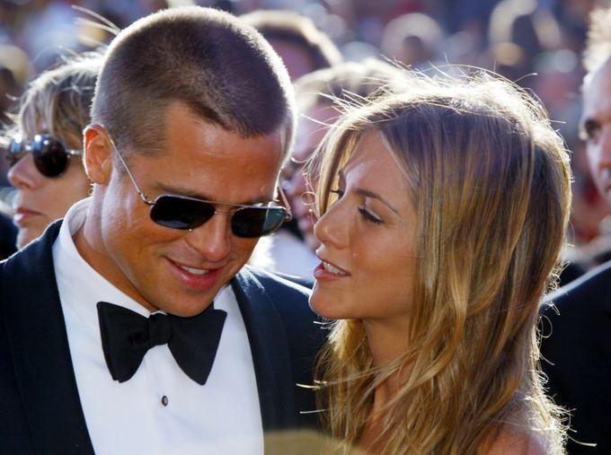 Bradas Pittas ir Jennifer Aniston 2004-ųjų rugsėjo pabaigoje. Po trijų mėnesių pora paskelbė apie skyrybas