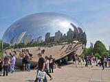 """Anisho Kapooro kūrinys """"Cloud Gate"""", tarp žmonių dar vadinamas """"Čikagos pupele"""". Čikaga"""