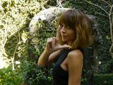 """Kadras iš """"YouTube""""/Nicole Richie Christinos Aguileros vaizdo klipe"""