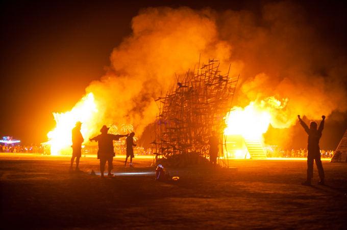 Pauliaus Musteikio nuotr./Aplinkiniai CORE projektai jau dega,  o lietuviai dar savo tik bando padegti