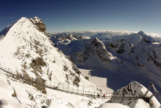Titlis Cliff Walk  aukačiausiai Europoje kabantis pėsčiųjų tiltas