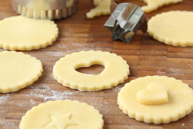 Shutterstock nuotr. / Gaminant sausainius