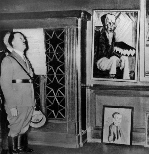 A.Hitleris apžiūrinėja dekadentišką meną