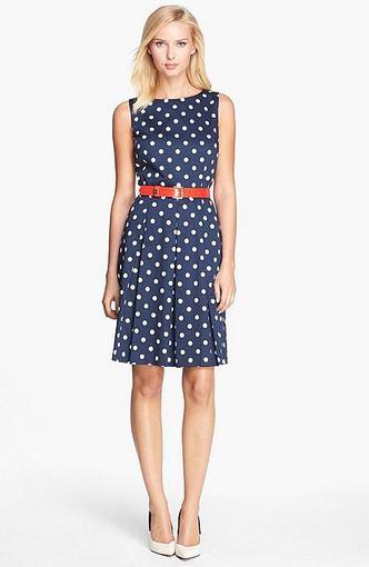 Tahari suknelė iš nordstrom.com.