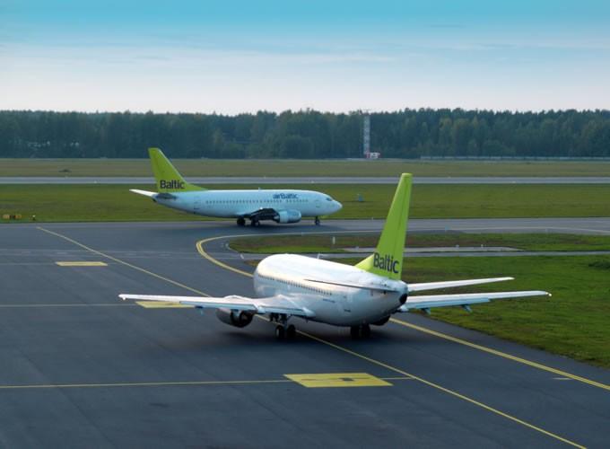 """""""Airbaltic"""" lėktuvai"""