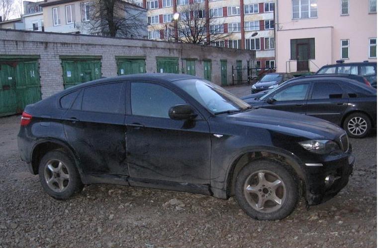 Sulaikytas BMW X6 visureigis