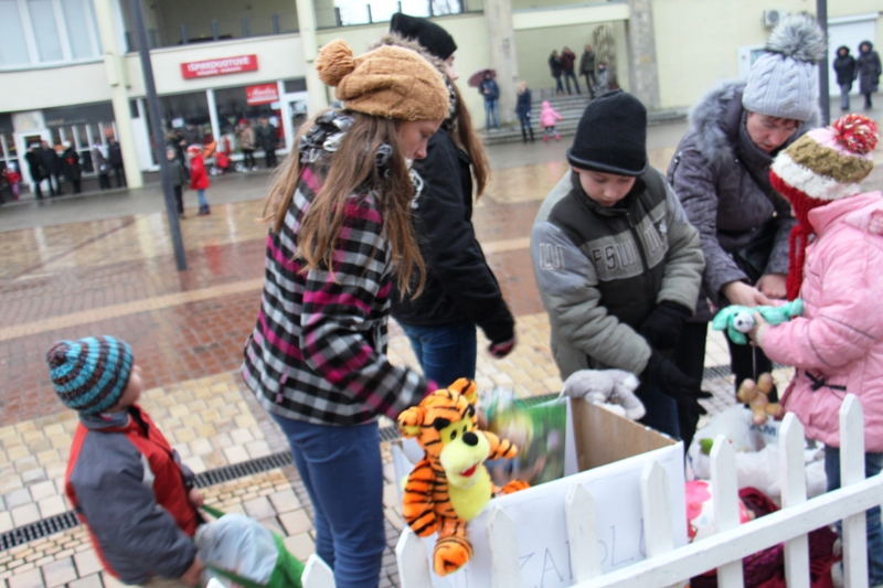 Palangiškiai noriai aukojo žaislų bankui
