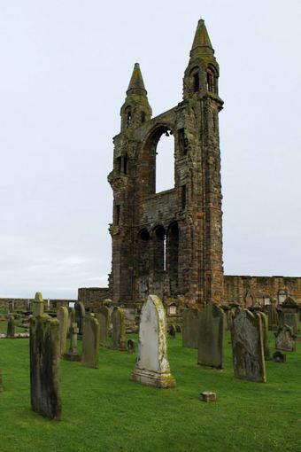 15min.lt/Indrės Bungardaitės nuotr./Bažnyčios griuvėsiai Sent Endriuse Škotijoje
