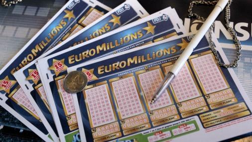 Житель Великобритании выиграл в лотерею почти 108 млн фунтов