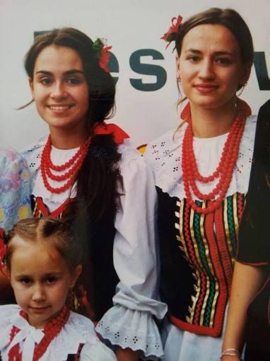 Asmeninio albumo nuotr./Evelina Sašenko su seserimis