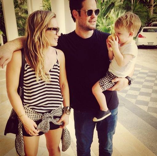 """Instagram"" nuotr./Hilary Duff ir Mike'as Comrie su sūnumi Luca Bahamose"