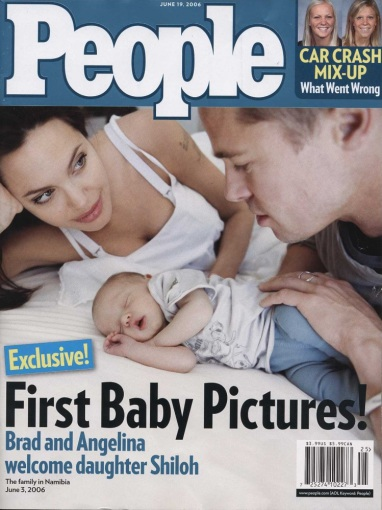 """""""Scanpix""""/""""Sipa Press"""" nuotr./Angelina Jolie ir Bradas Pittas su dukra Shiloh"""