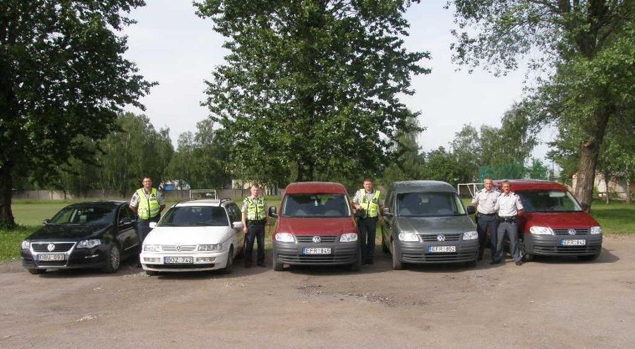 Nežymėti policijos automobiliai