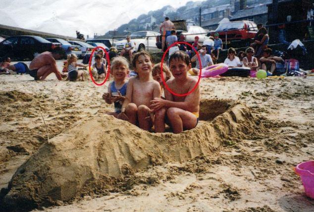 Jaunavedžiai Nickas Wheeleris ir Aimee Maiden rado nuotrauką, kurioje jie abu nufotografuoti vaikystėje dar prieš susipažindami