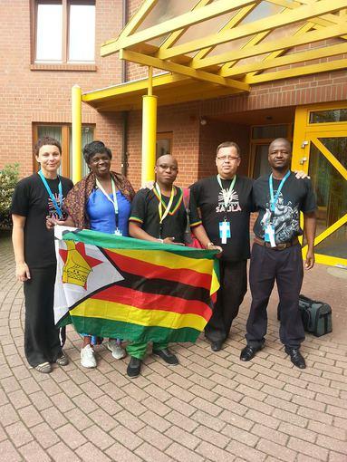 Su teatro biciuliais is Zimbabvės