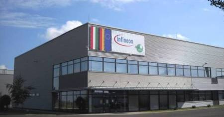 """""""Infineon"""" gamykla"""