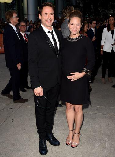 "AFP/""Scanpix"" nuotr./Robertas Downey jaunesnysis ir jo žmona Susan"
