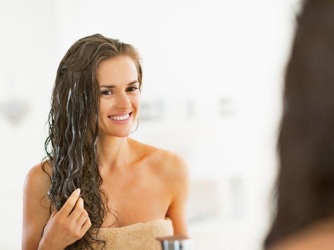 Plaukų balzamą galima panaudoti įvairiai