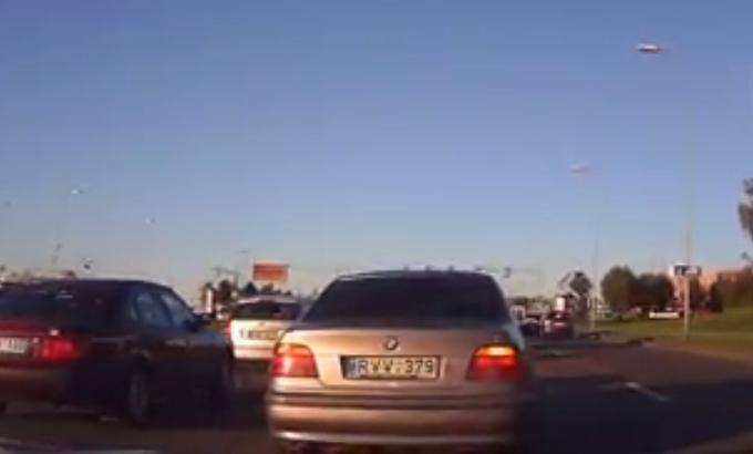 Užfiksuotas pažeidėjo BMW