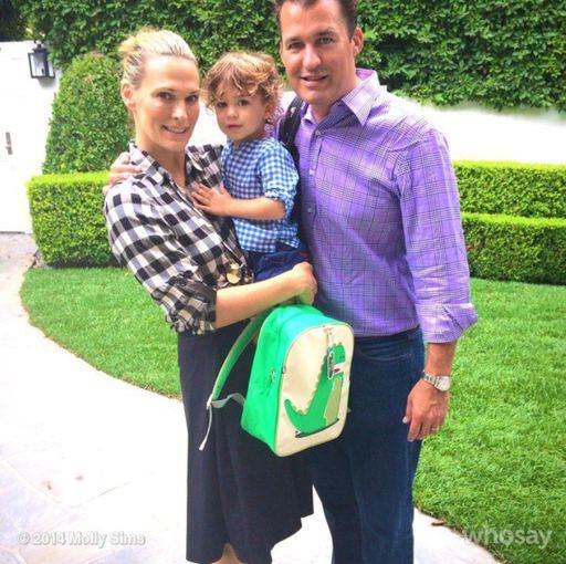 """""""Instagram"""" nuotr./Molly Sims ir Scottas Stuberis su sūnumi Brooksu"""